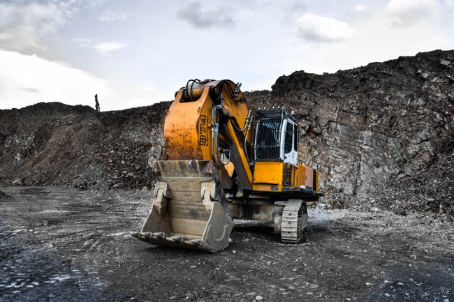 6 Ways to Maintain Your Heavy Equipment