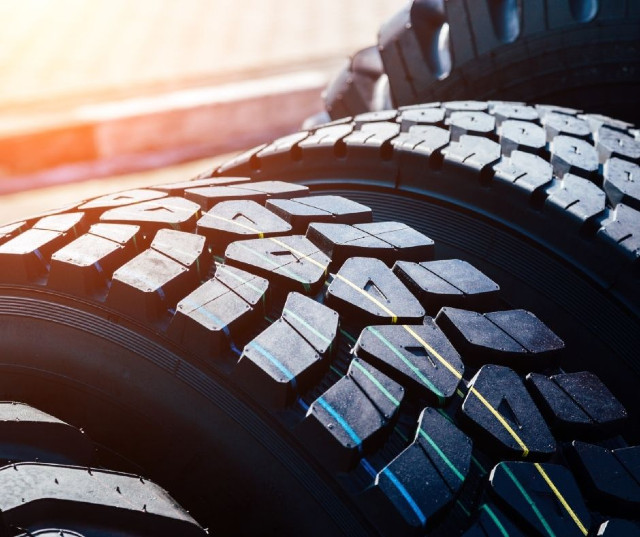 Finding the Right Wheels and Tires for Trucks and Trailers